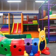 Nouveau parc récréatif pour enfants couvert