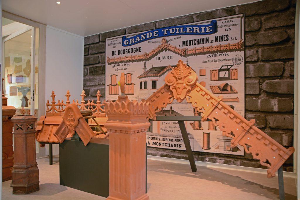 Visite : Collection Céra'brique @ Hall Hennebique, Fabrique Normant | Romorantin-Lanthenay | Centre-Val de Loire | France